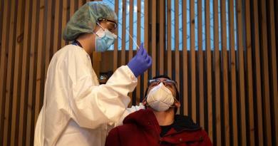 Contabiliza España 10,519 nuevos casos de COVID-19
