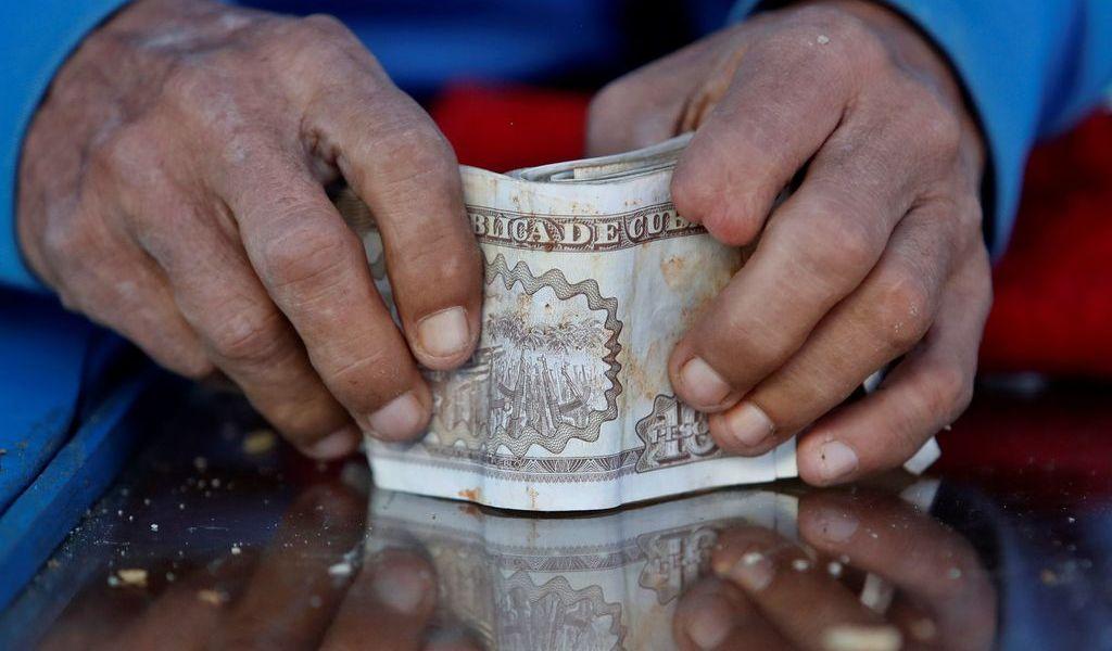 Cuba inicia cuenta hacia unificación monetaria