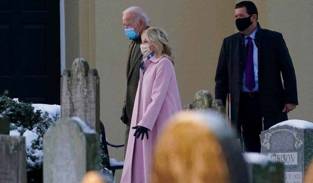 Joe Biden y su esposa recibirán vacuna contra COVID-19 próxima semana
