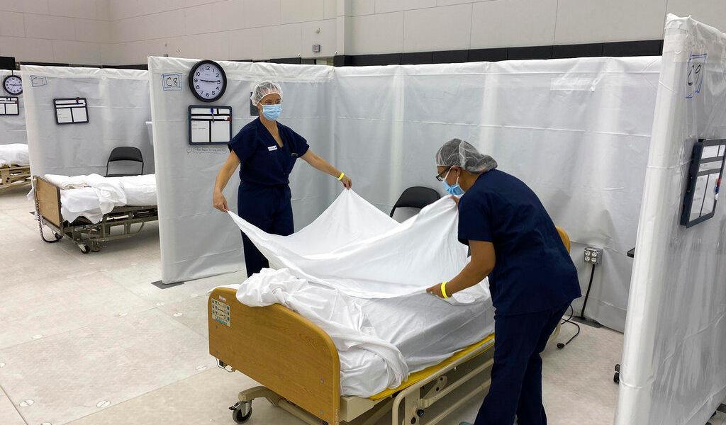 EUA busca personal médico en el extranjero para atender COVID-19