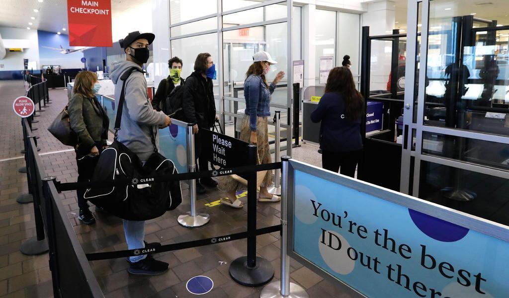 EUA supera los 19 millones de contagios por COVID-19