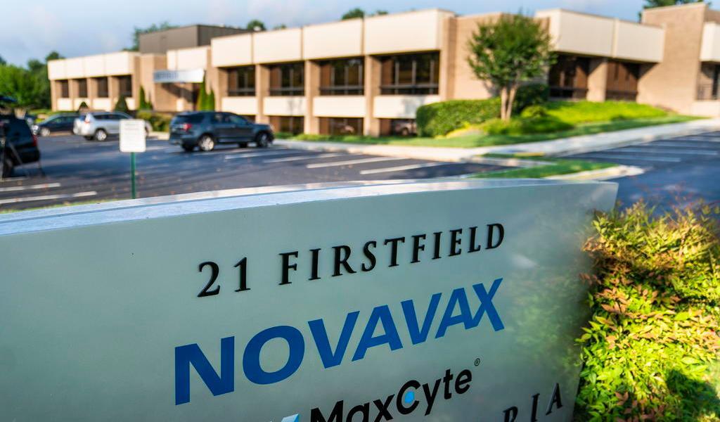 Inicia Novavax la fase 3 de ensayos para su vacuna contra COVID-19 en EUA