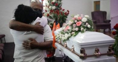 Funerarias en California, sin espacio