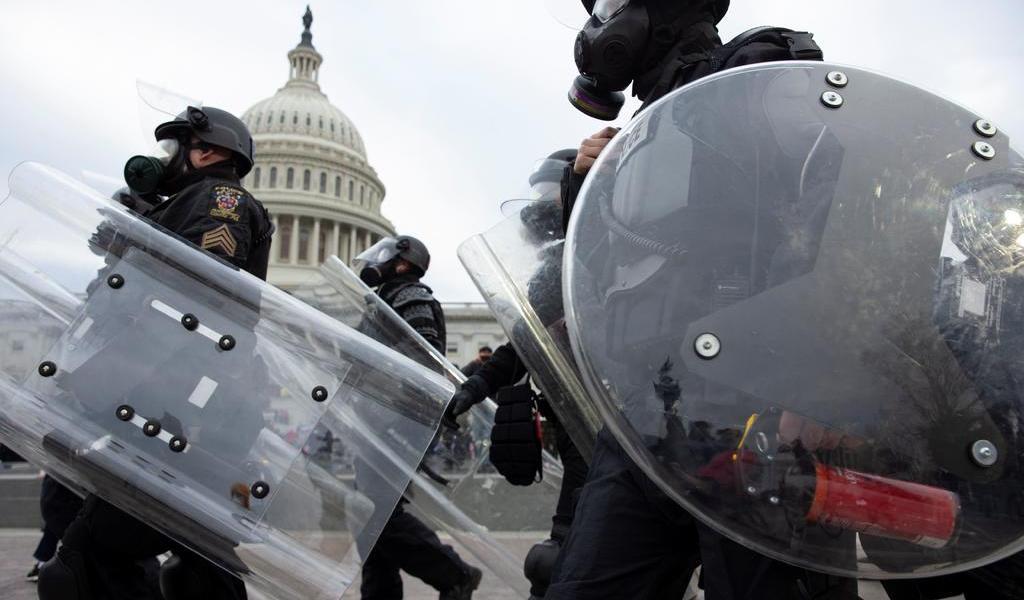 Reportan medios de EUA muerte de policía del Capitolio