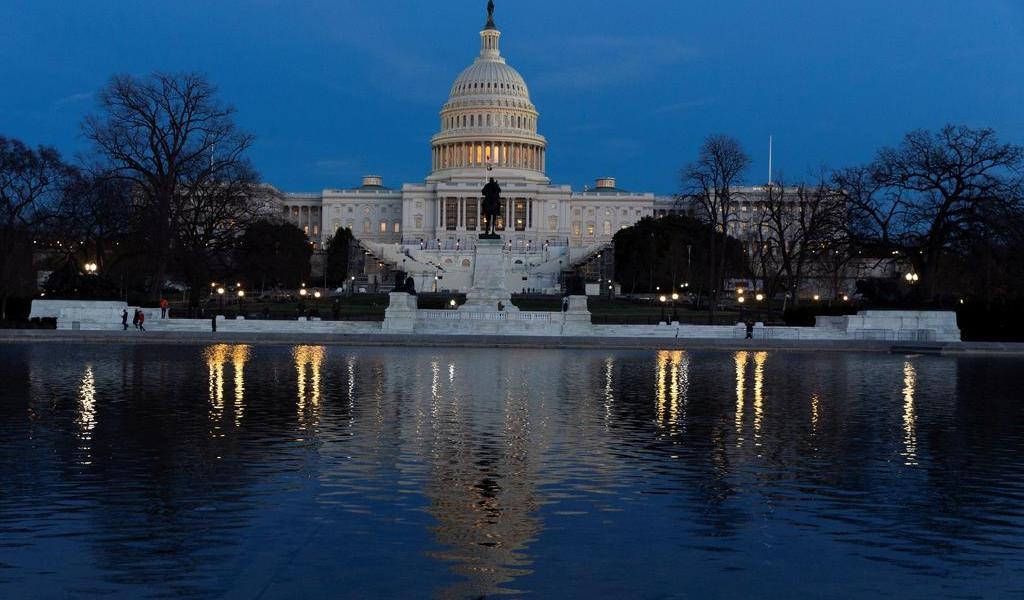 Critican actuación policial tras asalto al Congreso de EUA