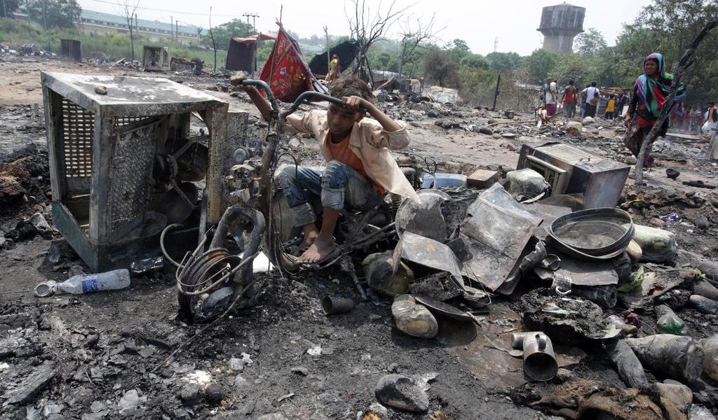 Tras incendio, 3,500 refugiados rohinyás pierden su hogar en Bangladesh