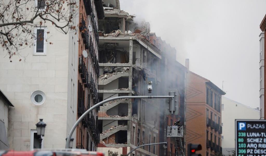 Reportan al menos tres muertos en Madrid tras explosión de edificio