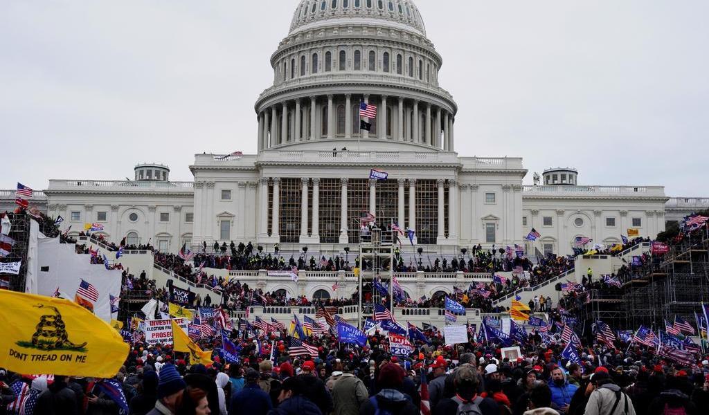 Congreso de Florida en EUA analiza un proyecto de ley contra manifestantes 'violentos'