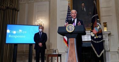 Biden tomará medidas para ampliar el seguro médico en EUA