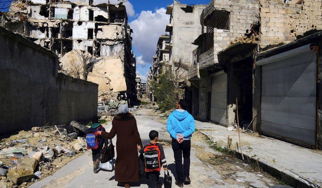 Explotan 2 coches bomba en Alepo; mueren 12 personas