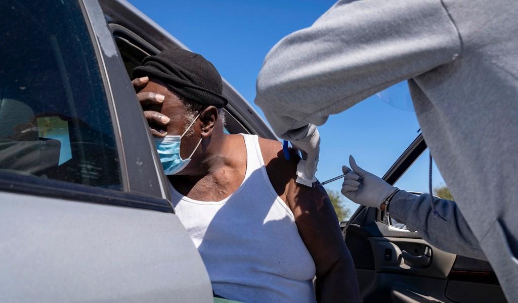 Exigen transparencia en inmunización de minorías