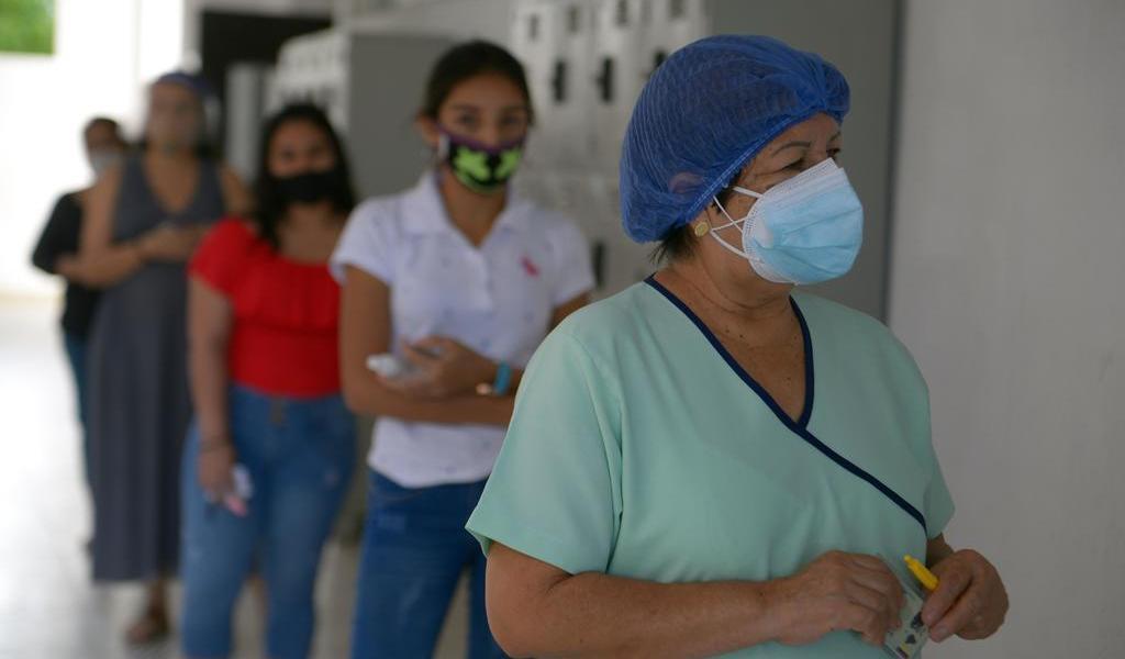 Registran gran afluencia de votantes en Guayaquil