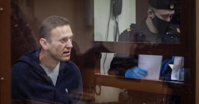 Recurre Navalni ante la Justicia rusa la pena de 3.5 años de cárcel