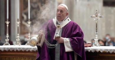 Papa Francisco oficia ceremonia reducida de Miércoles de Ceniza