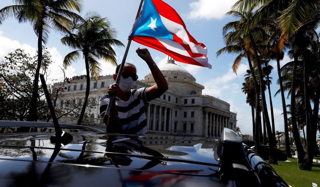 Ordena Puerto Rico abrir escuelas en marzo
