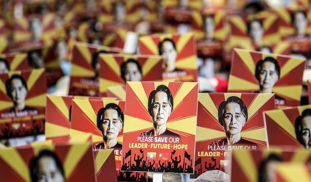 Desafían miles represión en Birmania
