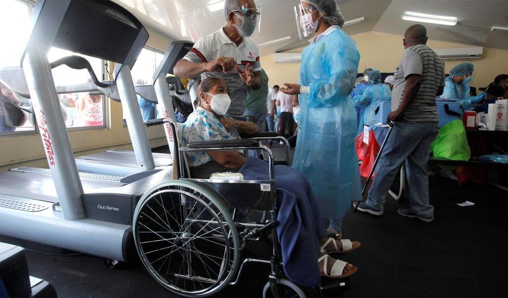 Vacuna Panamá contra COVID-19 a personas con discapacidad