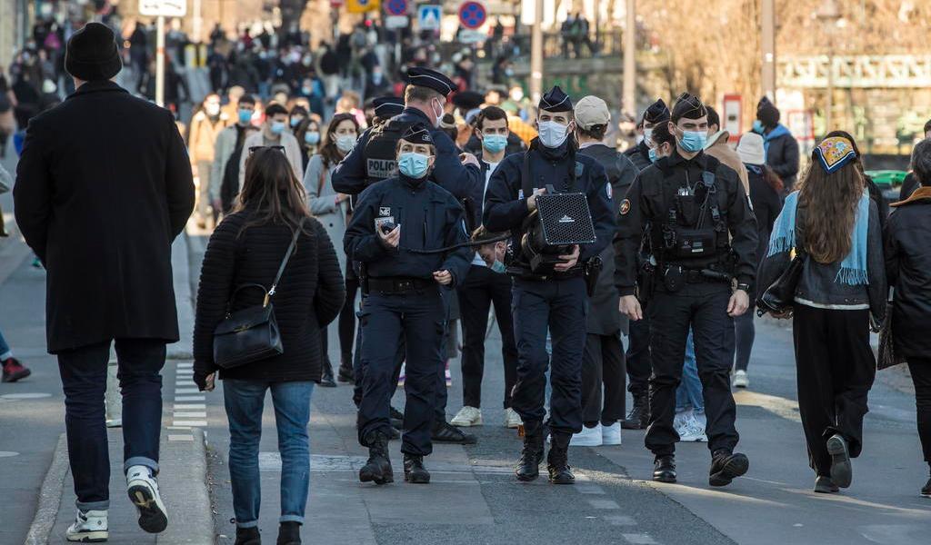 París pondera otro confinamiento debido al COVID-19