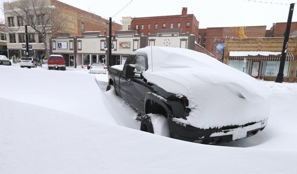 Intensa nevada paraliza partes de Colorado y Wyoming