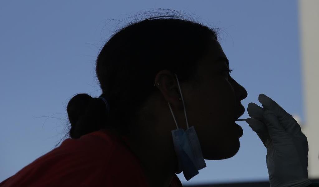 Gobierno argentino pide investigar pruebas de COVID-19 hechas a estudiantes en México
