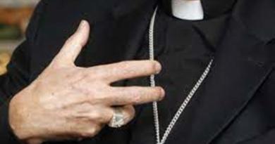 Defiende cardenal documento sobre uniones homosexuales