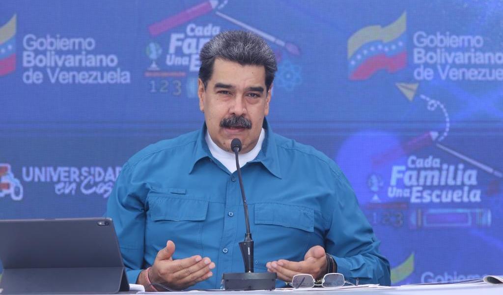 Nicolás Maduro ofrece petróleo a cambio de vacunas contra COVID-19