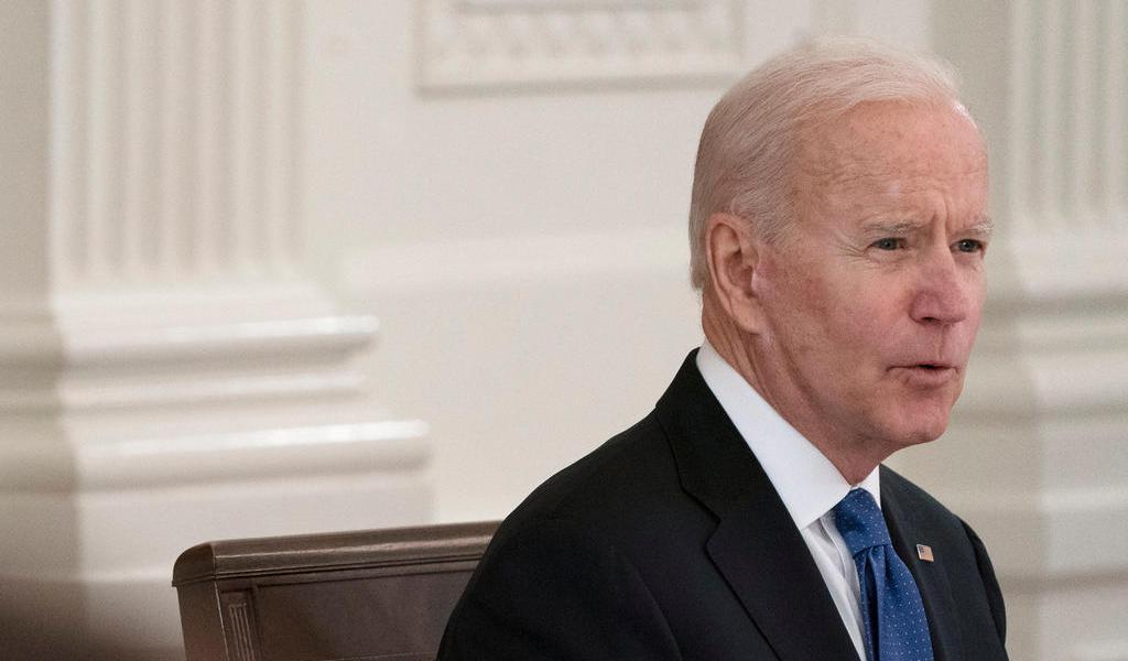 Biden dice que le 'rompió el corazón' el 'violento ataque' a policías del Capitolio