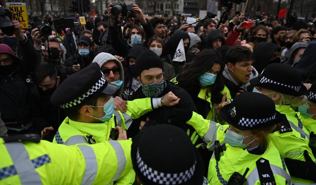 Marchan contra ley policial