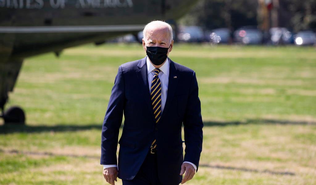 Agradece Biden a nuevos ciudadanos por elegir a EUA