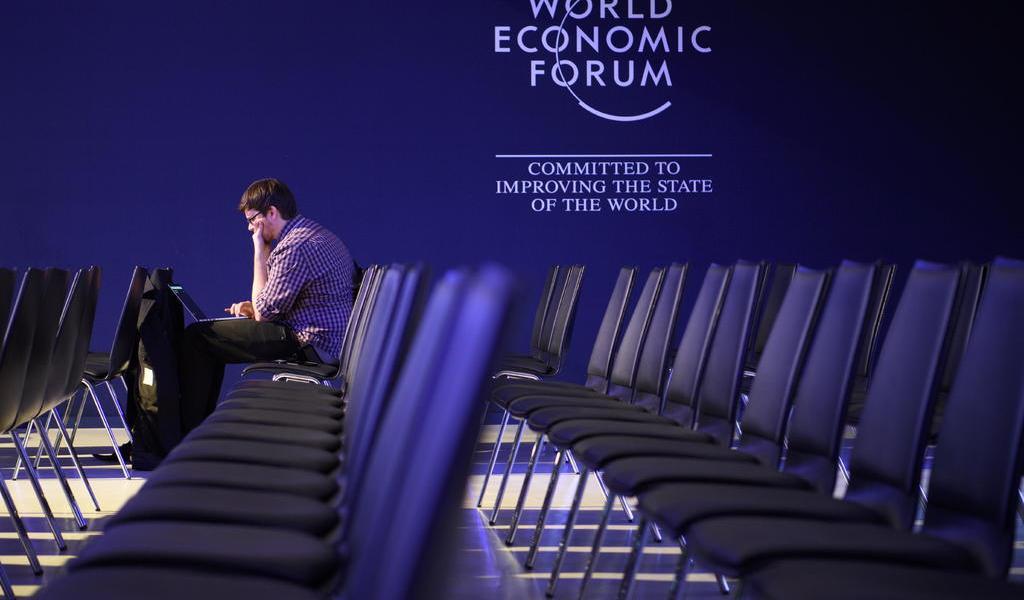 Pandemia de COVID-19 obliga a cancelar el Foro de Davos