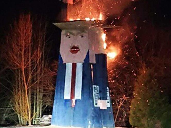 Arde 'Estatua de la Libertad de Trump', en Eslovenia