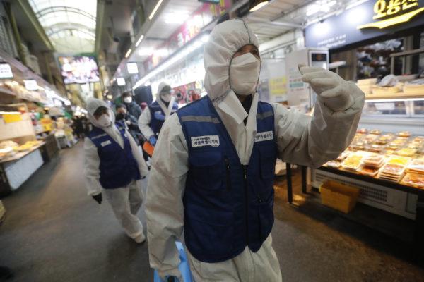 Coronavirus va más allá de Asia con casos en Europa y Medio Oriente