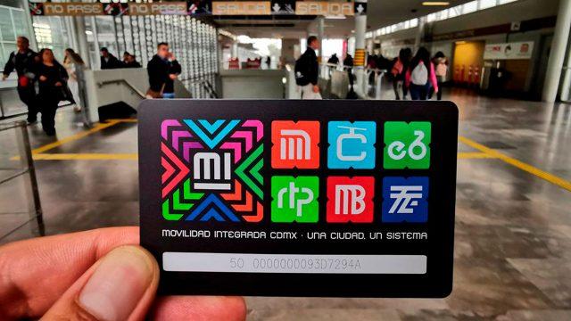¡No la tires!, recicla en estas estaciones tu tarjeta vieja del Metro