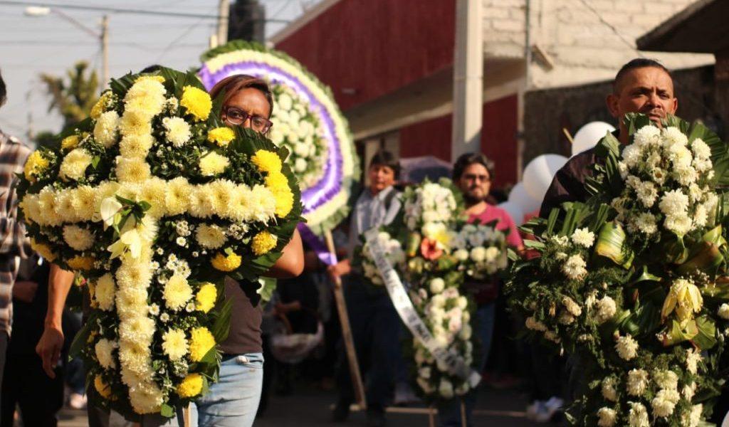 Cortejo fúnebre de la pequeña Fátima recorre calles de Tulyehualco