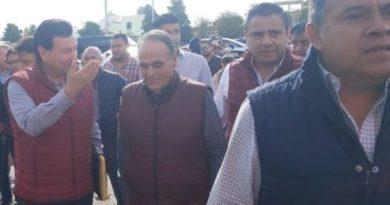 Rechiflas y conato de bronca en registro de Sosa como candidato de Morena (VIDEOS)