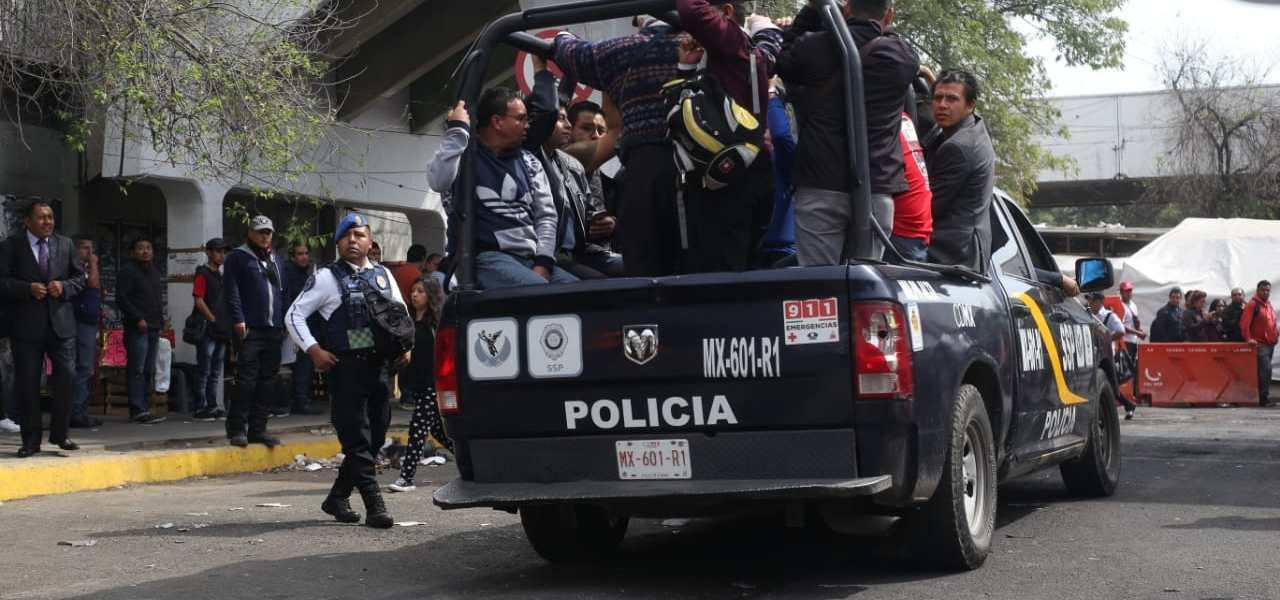Caos en Tacubaya por falta de servicio en tres estaciones del Metro (VIDEOS)