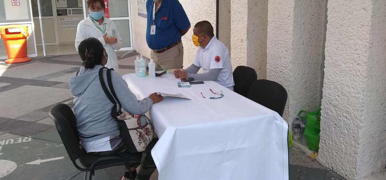 Instalan en 11 hospitales de CDMX carpas para informar a familiares de pacientes COVID