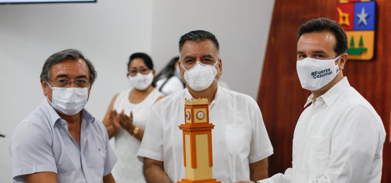 Por generaciones, estaremos agradecidos con todos los médicos de la isla por su compromiso, esfuerzo y dar su vida por la gente de Cozumel ante el Covid-19: Pedro Joaquín