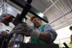 Actividad industrial cae 3.4% en marzo arrastrada por la manufactura