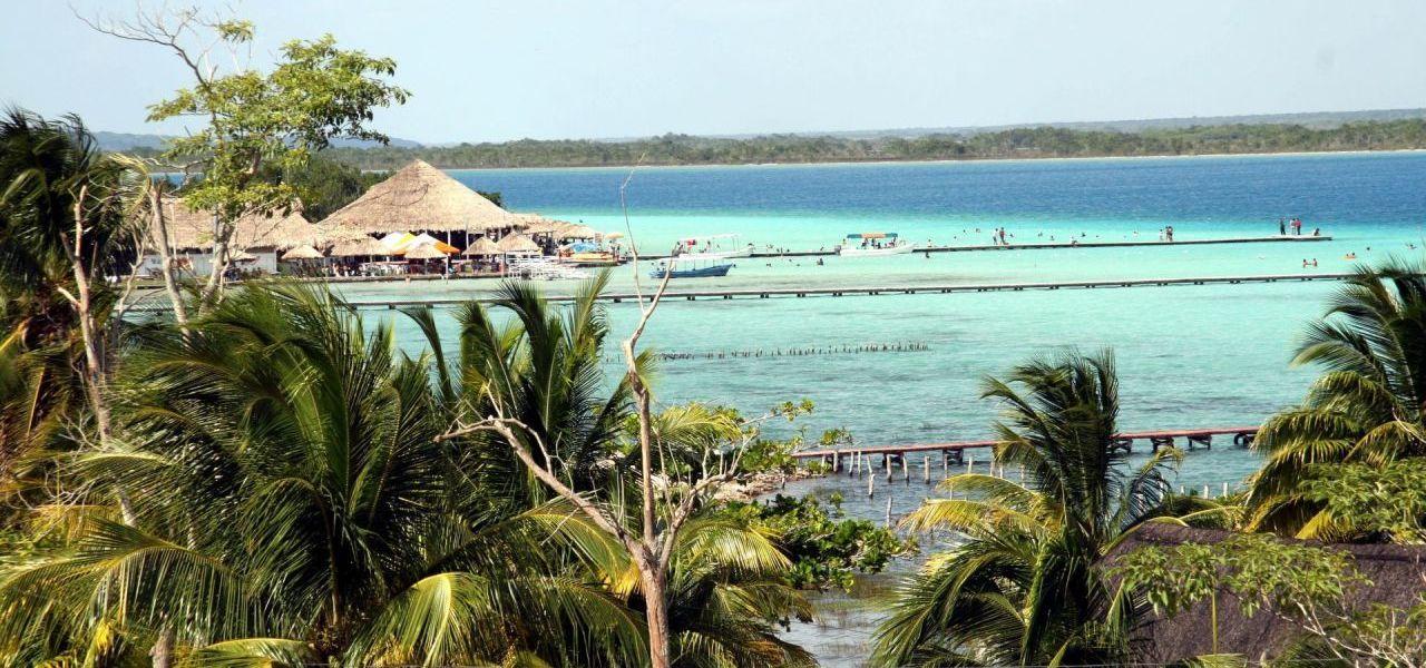 Ante la ausencia de turistas, Bacalar recupera su belleza natural