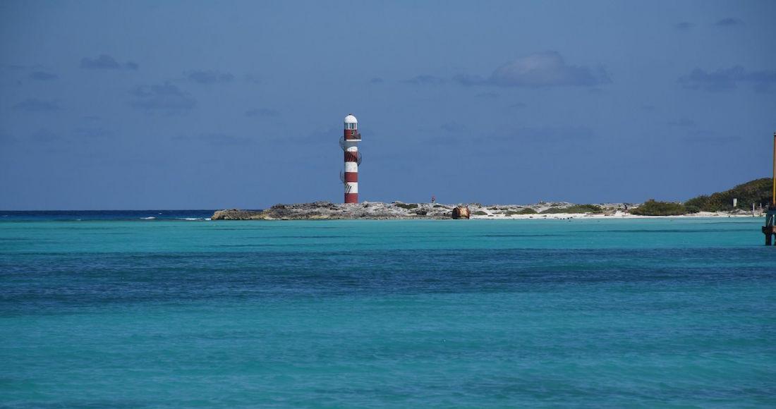 Destinos turísticos del Caribe Mexicano frenan venta de alcohol y ponen filtros sanitarios por COVID-19