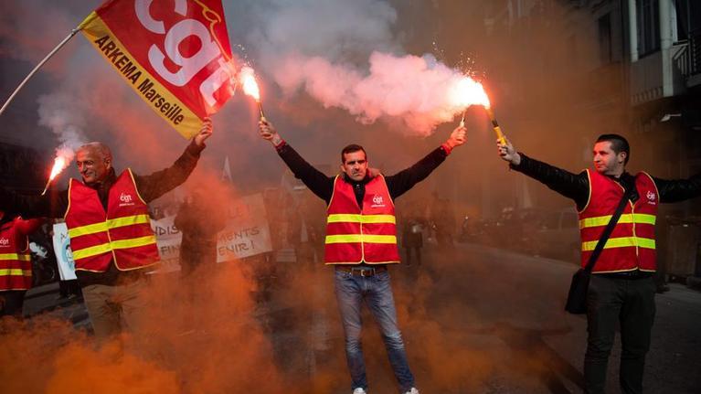 Inicia segunda parte del debate de pensiones en Francia