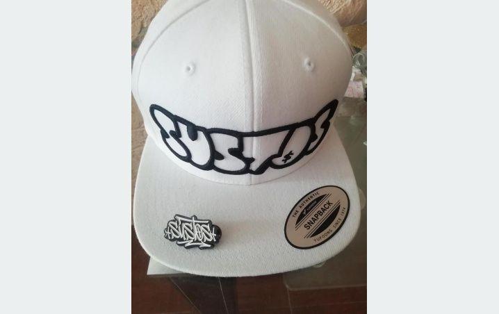 Las gorras de Sustos las más buscadas de Cancún, pero no se venden