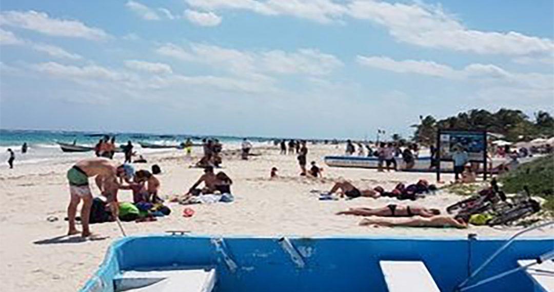 Incrementa afluencia de turistas en playas de Tulum