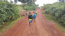 060 Kids chasing the motorbikes - CP