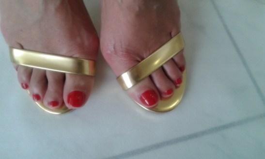 πόδι κόκκινο χρυσό mule