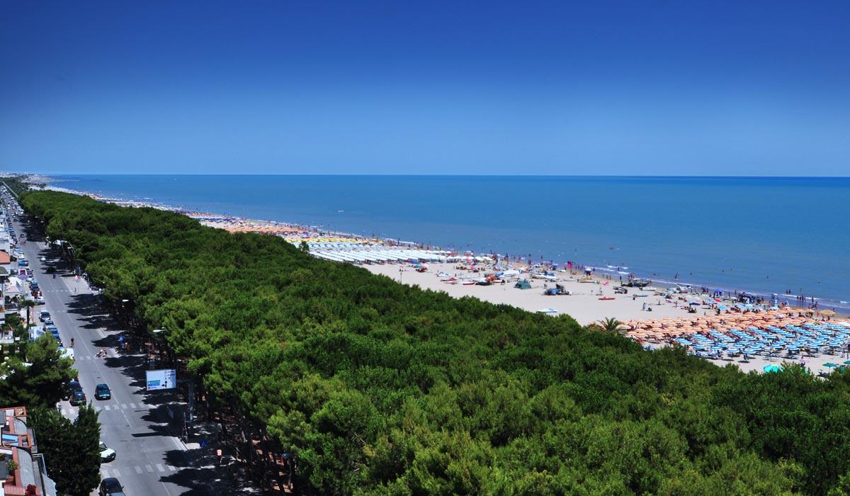 Hotel Lido Alba Adriatica  Tre stelle lusso sul mare