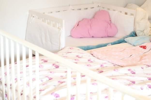 Familienbett, schlaf Baby, Beistellbett, pinolino Beistelllbett