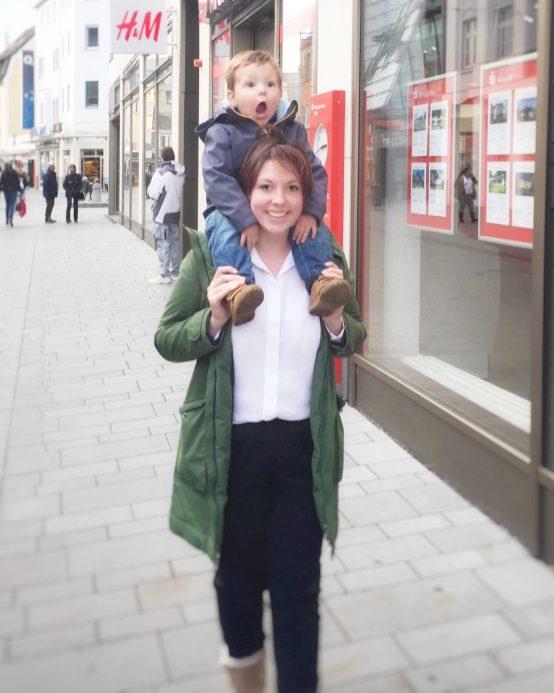 Mutter und Sohn,