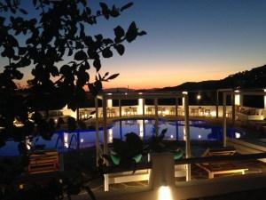 Island House Hotel bei Sonnenuntergang